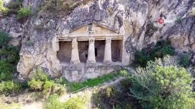Sinop'un az bilinen tarihi mekanı Boyabat Kaya Mezarları