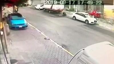 Gaziosmanpaşa'daki motorlu saldırganlar adliyeye sevk edildi...Saldırganların kaçma anı kamerada