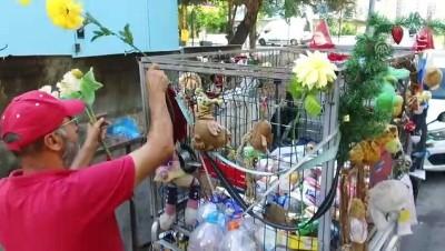 helal - Çöpten çıkan oyuncaklarla hayalleri gerçekleştiriyor (2) - ANTALYA