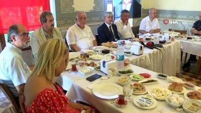 muhalefet -  Hatay Valisi Doğan: 'İdlib'teki insanlar Türkiye kapıları açacak diye kandırıldı'