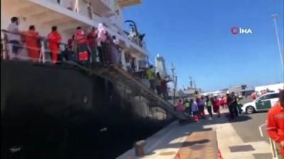 hamile kadin -  - Türk Denizciler, Kanarya Adaları Açıklarında 24 Mülteciyi Kurtardı