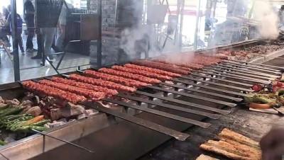 ziyaretciler - Adana, '222 metrelik şişte et pişirme' rekoruna hazırlanıyor