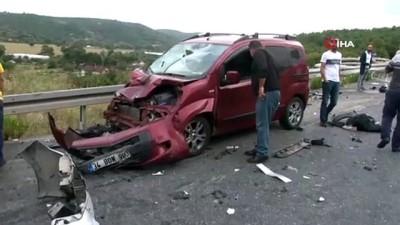 Kuzey Marmara Otoyolu'nda Ali Bahadır bağlantı yolunda zincirleme kaza meydana geldi. Ölü ve yaralıların olduğu öğrenildi.