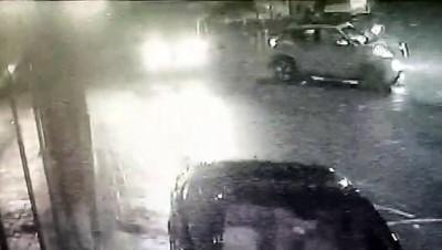 calisan kadin - Polisten kaçan kadın sürücü aracıyla çay bahçesinin duvarına çarptı - BARTIN