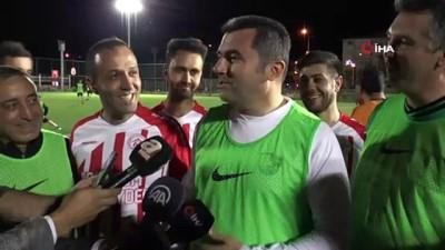 futbol maci -  Vali Memiş gazilerle yeşil sahaya indi