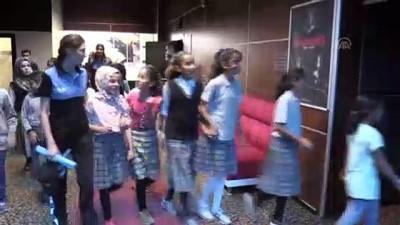 Polisler çocukları sinemayla buluşturdu - MUŞ