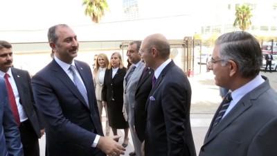 Adalet Bakanı Gül, İzmir Adliyesi'ni ziyaret etti - İZMİR