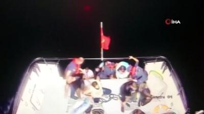 istankoy -  Ege denizinde can pazarı... Mülteci gemisi battı göçmenleri Türk askeri böyle kurtardı