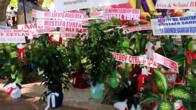 uzun omur -  Kaymakam Köken'e gelen çiçekler açık arttırmayla satıldı