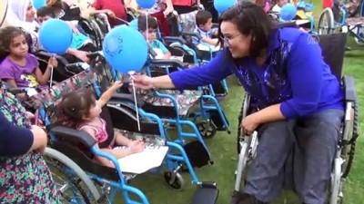 Engelli Gamze Elibol, 72 engelliye tekerlekli sandalye hediye etti - ŞIRNAK