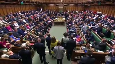 - İngiliz Parlamentosunda 'ırkçı söylem' krizi - Hint kökenli parlamenter Boris Johnson'dan özür dilemesini istedi