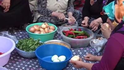 Uşak'taki ev hanımlarından imece usulü tarhana