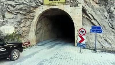 Göçük nedeniyle kapanan asırlık Taş Yolu ulaşıma açılıyor - ERZİNCAN