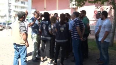 milletvekili -  HDP'li milletvekili Aydeniz'in 'Merhaba, kolay gelsin' sözüne ailelerden tepki