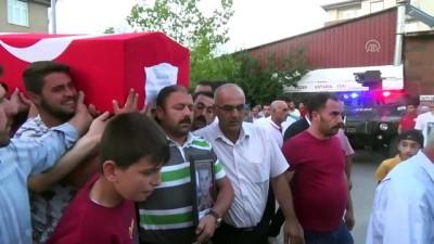 harekat polisi - Kazada vefat eden özel harekat polisinin cenazesi toprağa verildi (2) - BİTLİS