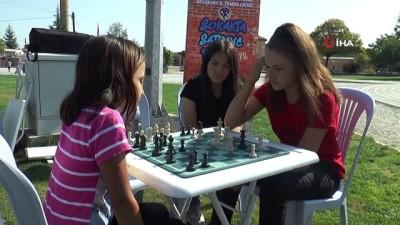 Dünyada ilk kez yerin 7 kat altında satranç oynandı