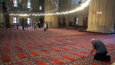 Selimiye Cami'nde kadın-erkek girişleri ayrıldı