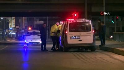 motosiklet surucusu -  İzmir'de yeni yılın ilk trafik cezalarından birisi kazaya karışan alkollü sürücüye kesildi