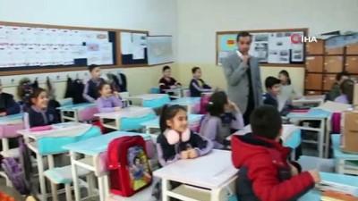 arastirmaci -  Üniversite öğrencilerinden köy okuluna 'zeka oyunları' projesi