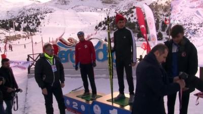 Kayakla Oryantiring Türkiye Şampiyonasında dereceye giren sporculara madalyaları takdim edildi