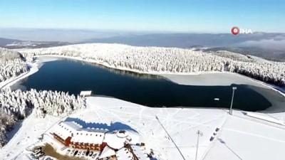 Doğasıyla kendine hayran bırakan 'Topuk Göleti' havadan böyle görüntülendi