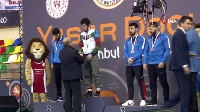 gumus madalya - Yaşar Doğu Güreş Turnuvası sona erdi
