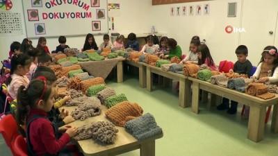 farkindalik -  Miniklerin dokuduğu atkılar Diyarbakır'da nöbet tutan annelere gönderildi