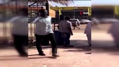- Hartum Havalimanı'nda uçuşlar durduruldu