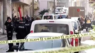 Sokak ortasında kadını silahla rehin alan zanlı tutuklandı