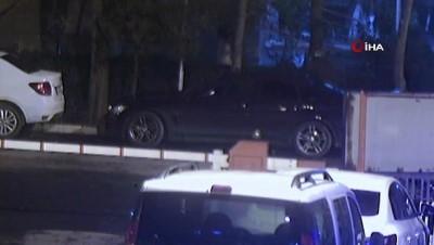 Bakırköy'de araçlardan yedek parça çalan hırsız kamerada