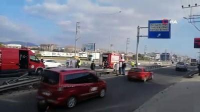 Bariyerlere çarpan otomobil yan yattı: 1 yaralı