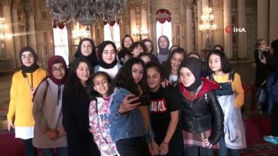 yaris -  Dolmabahçe Sarayı'nda 'Müzede Selfie Günü' etkinliği