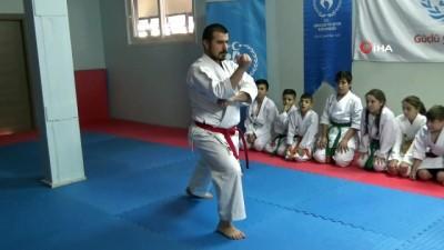 İşitme engelli milli karateci Sabri Kıroğlu, Dünya Şampiyonası'na hazırlanıyor - Sabri Kıroğlu: 'Hedefim Düzce'den olimpiyat şampiyonu çıkarmak'