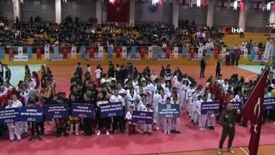 Kağıthane Belediyesi'nden amatör kulüp ve sporculara 500 bin TL destek