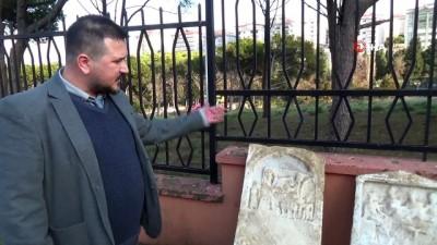 Roma döneminden kalma tarihi eserler yağmurla gün yüzüne çıktı