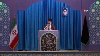 - İran dini lideri Hamaney 8 yıl aradan sonra cuma namazı kıldırdı - ABD Başkanı Trump'a palyaço benzetmesi