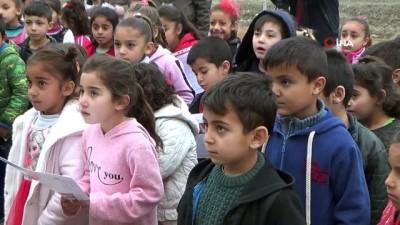farkindalik -  Köy okulu öğrencilerine karne sürprizi