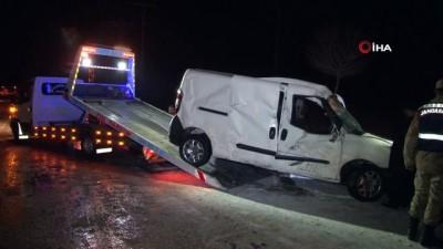 Elazığ'da buzlanma zincirleme kazaya neden oldu