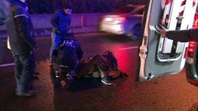 Bayrampaşa'da otomobil motosiklete çarptı:1 yaralı