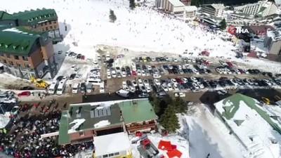 Kış turizmin gözdesi Uludağ'da pistler doldu taştı