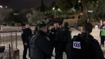 - İsrail Güçleri Mescidi Aksa'da Namaz Kılanlara Saldırdı