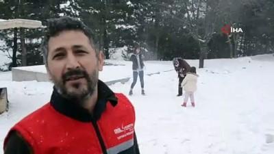 Demirci'de kar yağışı etkili oluyor