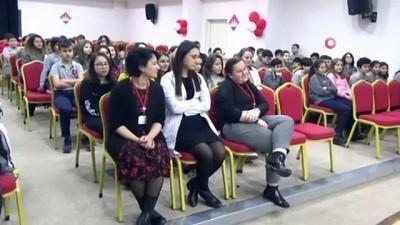 Görme engelli Özbek, öğrencilerin engellilere bakış açısını değiştirdi
