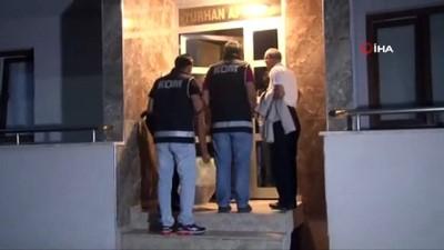 İzmir'de FETÖ operasyonu: Yusuf Bekmezci ve Akif Sarı yakalandı