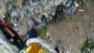 Kayalıklarda 2 gün mahsur kalan 6 keçi 8 saatlik operasyonla kurtardı