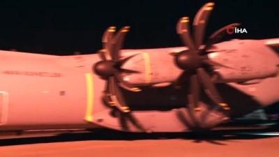 baskent -  Yaralılar için Somali'ye giden uçak Ankara'dan havalandı