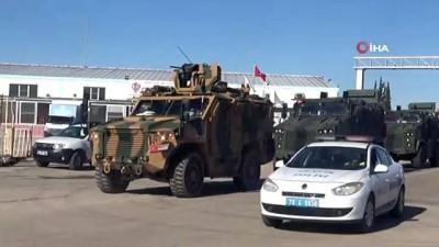 Komandolar 'Hücum Marşıyla' sınır hattına gitti
