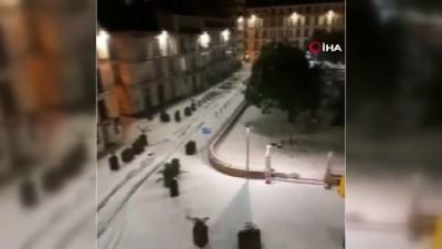 - Malaga beyaza büründü - Şehirde Turuncu alarm verildi