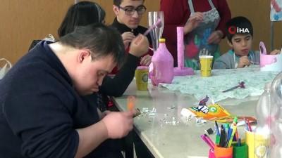 Özel çocuklar, kuşlar için plastik atıklardan yuvalar yaptı Haberi