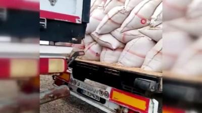 narkotik -  Tırdan 9 bin 900 paket kaçak sigara çıktı